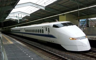 081213_300系新幹線・新神戸駅にて