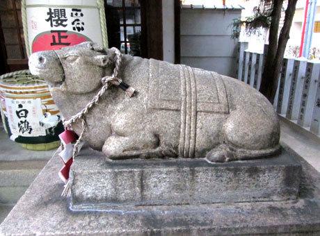 201202_走水神社・撫で牛